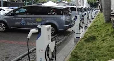 制约新能源汽车发展的充电桩,到底为何拉了后腿?