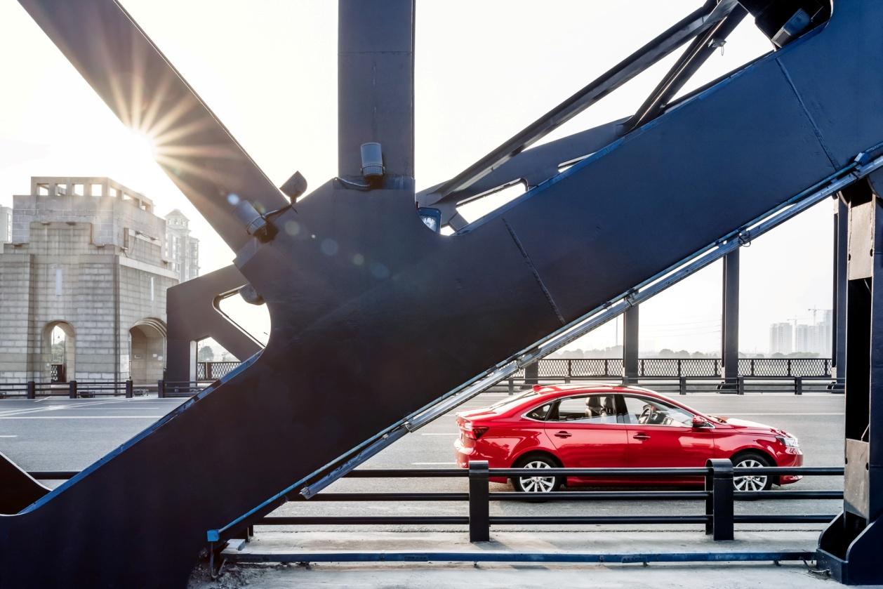 上汽荣威i6 16T将于上海车展上市  最大功率125马力