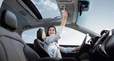别被唬住!带你揭秘汽车配天窗究竟安全吗?