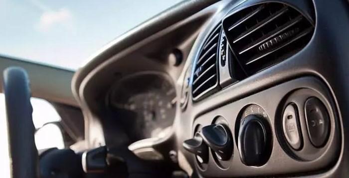 为什么夏天汽车开空调会加大油耗?