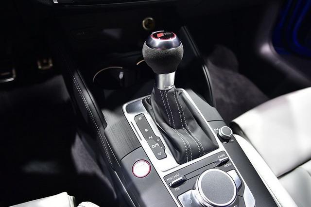 重磅小钢炮正式上市 奥迪RS3售价XX万元