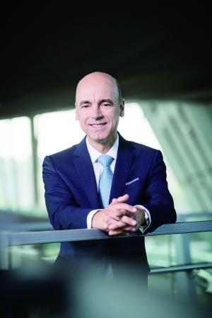 财务董事彼得:宝马将持续投资开发中国市场