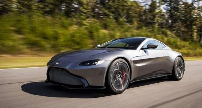 Aston Martin-Vantage