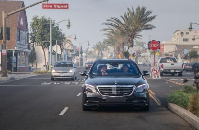 奔驰测试无人驾驶汽车 有4个难题不易解决