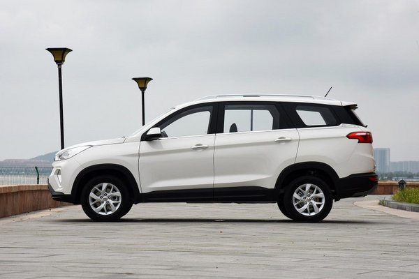 六万元起能买到的7座SUV 三款自主大空间SUV推荐-图3