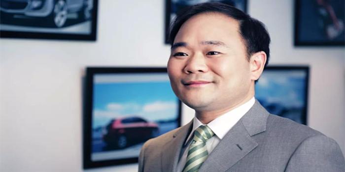 人大代表李书福:这次提案关注网约车和甲醇汽车