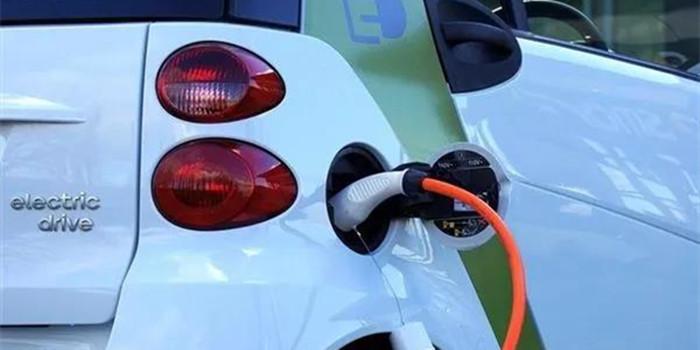 新能源汽车电池回收出新规 日内瓦车展新车扎堆首发