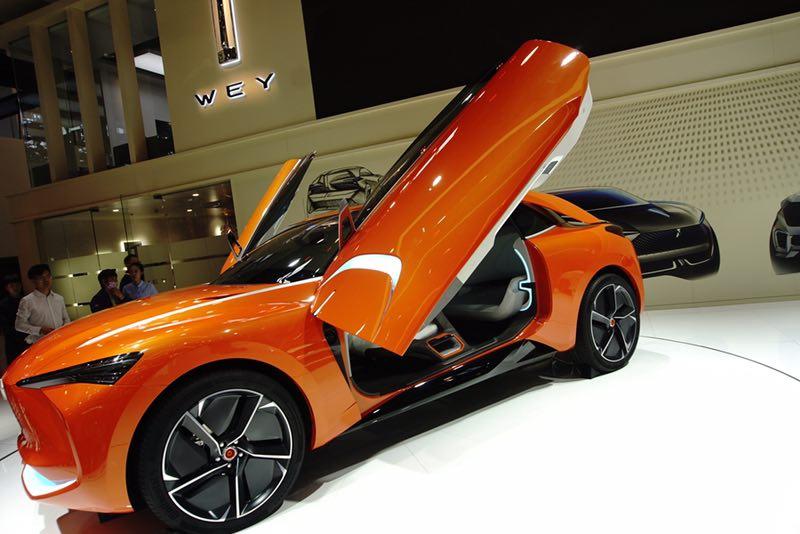 WEY品牌携家族多款首发车型 强势亮相北京车展