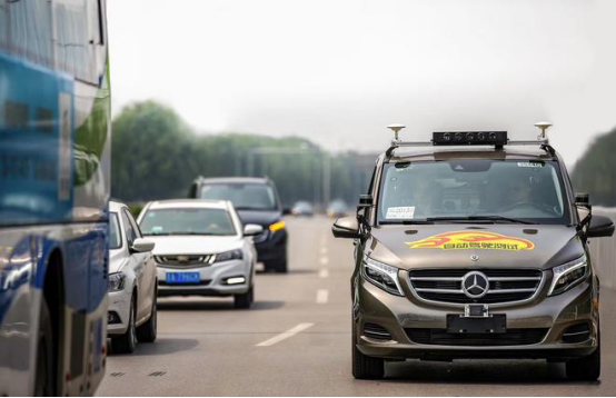 百度Apollo合作伙伴戴姆勒获得北京市自动驾驶车辆道路测试牌照