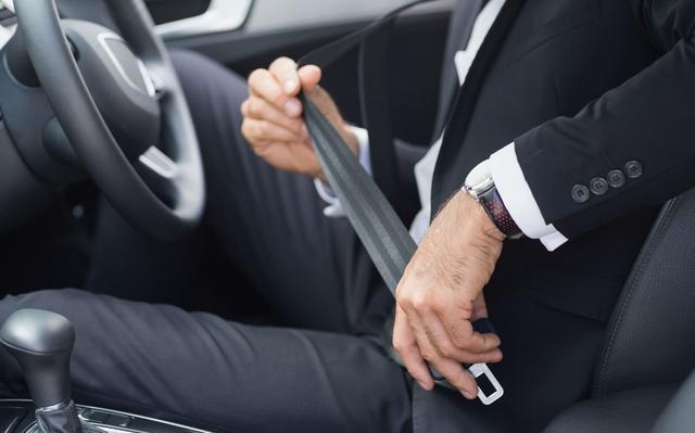 汽车安全带也需要保养 主要检查内部卷簧器