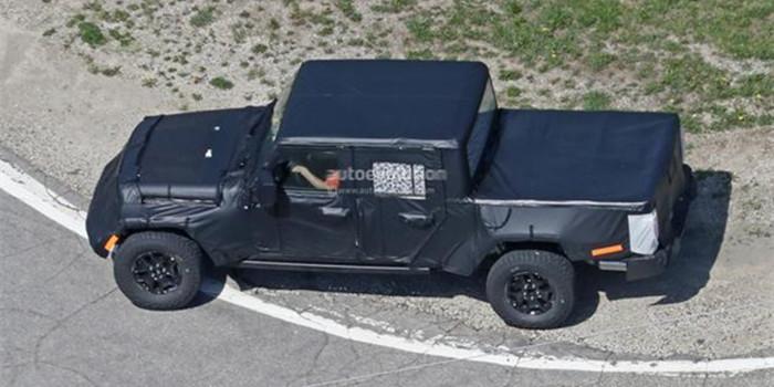 Jeep牧马人皮卡版越野行驶谍照曝光 有望2019年量产
