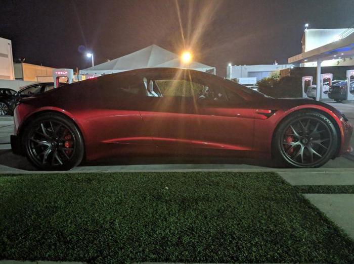 特斯拉Roadster户外照曝光 预计2020年上市