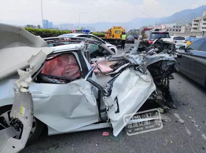思域,新车碰撞测试,汽车ABC柱