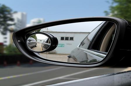 如何减少行车盲区 3个后视镜的角度很重要
