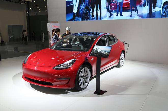 预计3月开始交付 Model 3亮相海口新能源车展