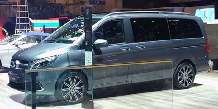 衍生款将同步推出 新款梅赛德斯-奔驰V级亮相