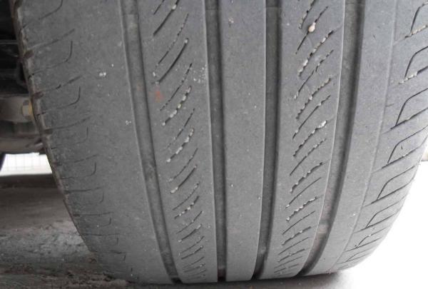 开车前检查轮胎 出现三种情况就要马上换胎
