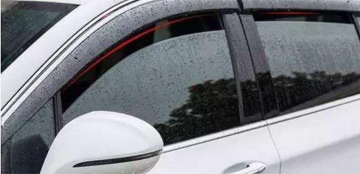 下雨的时候 汽车雨眉有安装的必要吗