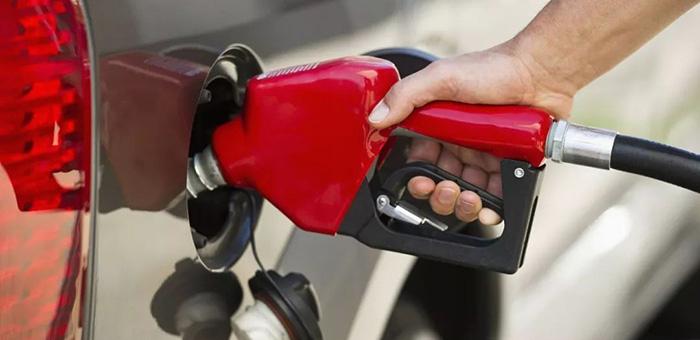 """年内""""第七涨"""" 92号汽油将上调0.15元/升"""