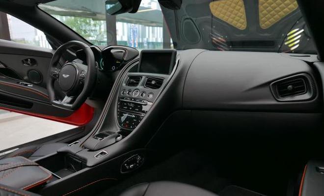 阿斯顿·马丁DBS Superleggera Volante国内首发