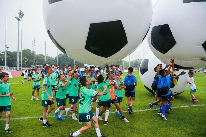 车价查询:为振兴中国足球出力 大众助力青少年足球发展