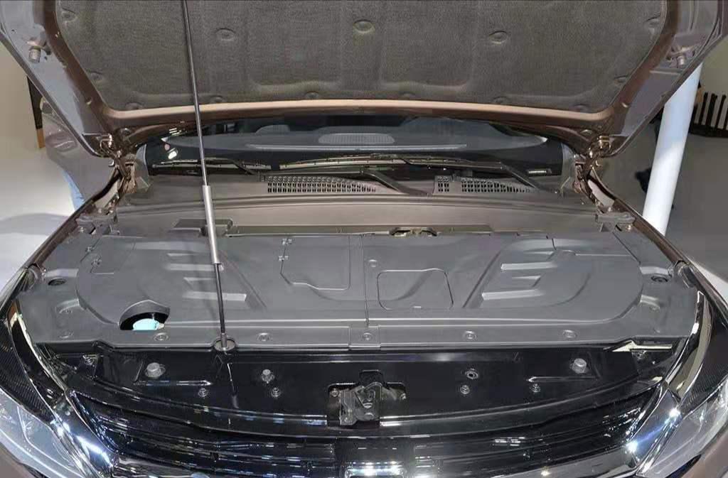 车价查询:华晨雷诺观境新增旗舰版车型 售价12万元