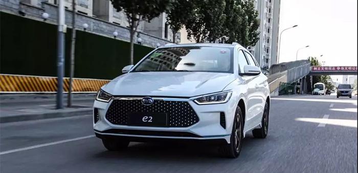 体验比亚迪e2 它可以成为年轻人的第一辆车
