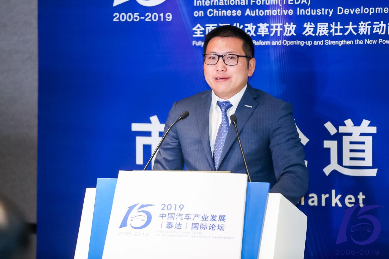 """车价网:郑状:""""新四化""""是中国汽车品牌向上的突破"""