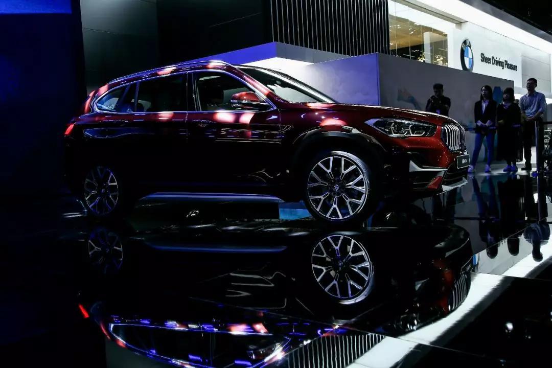 新车报价:宝马家族亮相成都车展 带来多款重磅车型