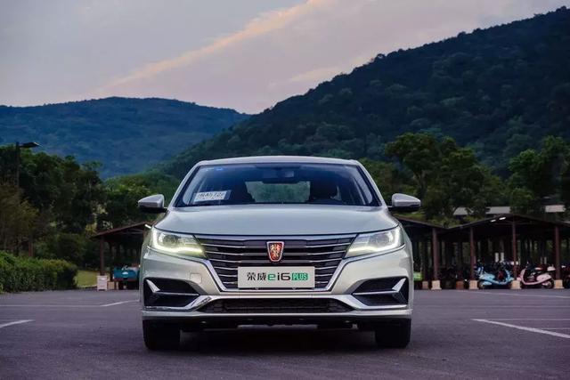 车价查询:试驾荣威ei6 PLUS 1.5T新动力表现如何?
