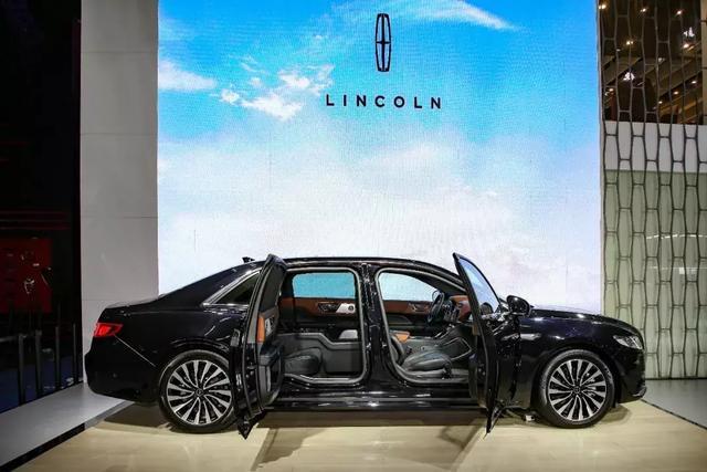 林肯飞行家亮相成都车展 预售62.89万元起