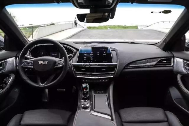新车报价:搭载2.0T+10AT动力 凯迪拉克CT5初体验