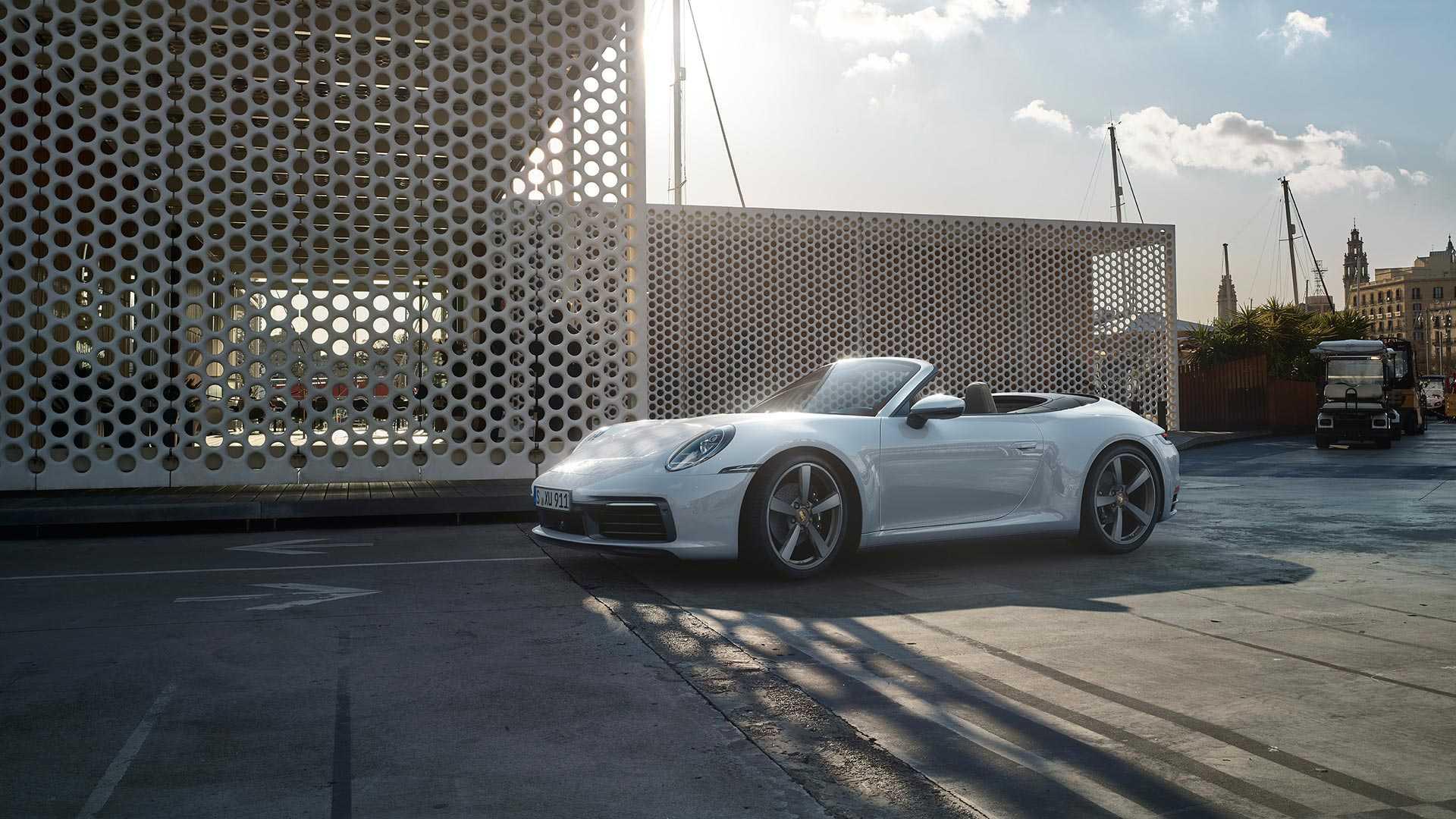 新车报价:新一代911 Carrera 4发布 国内开启预售