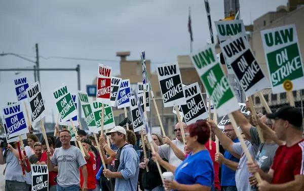 车价查询:美国通用五万员工罢工 加拿大临时裁员1200人
