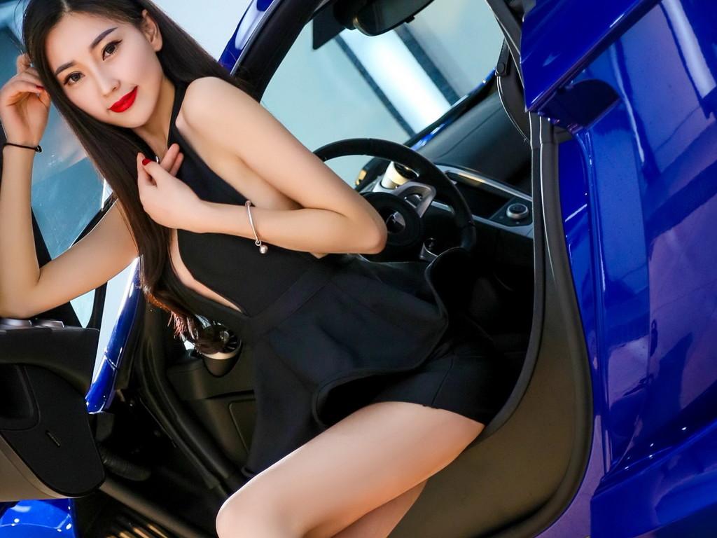 迈凯轮改装车美女