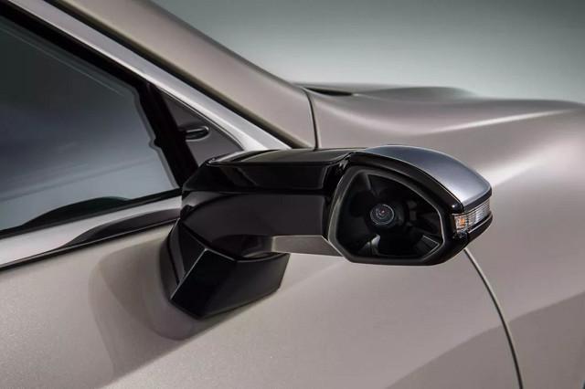 NHTSA考虑批准基于摄像头的流媒体后视镜