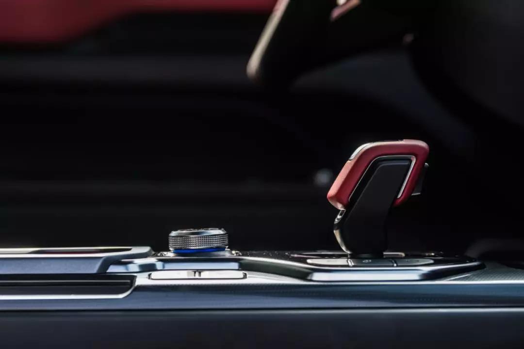 实拍吉利icon 第一眼就能把你惊艳到的车子