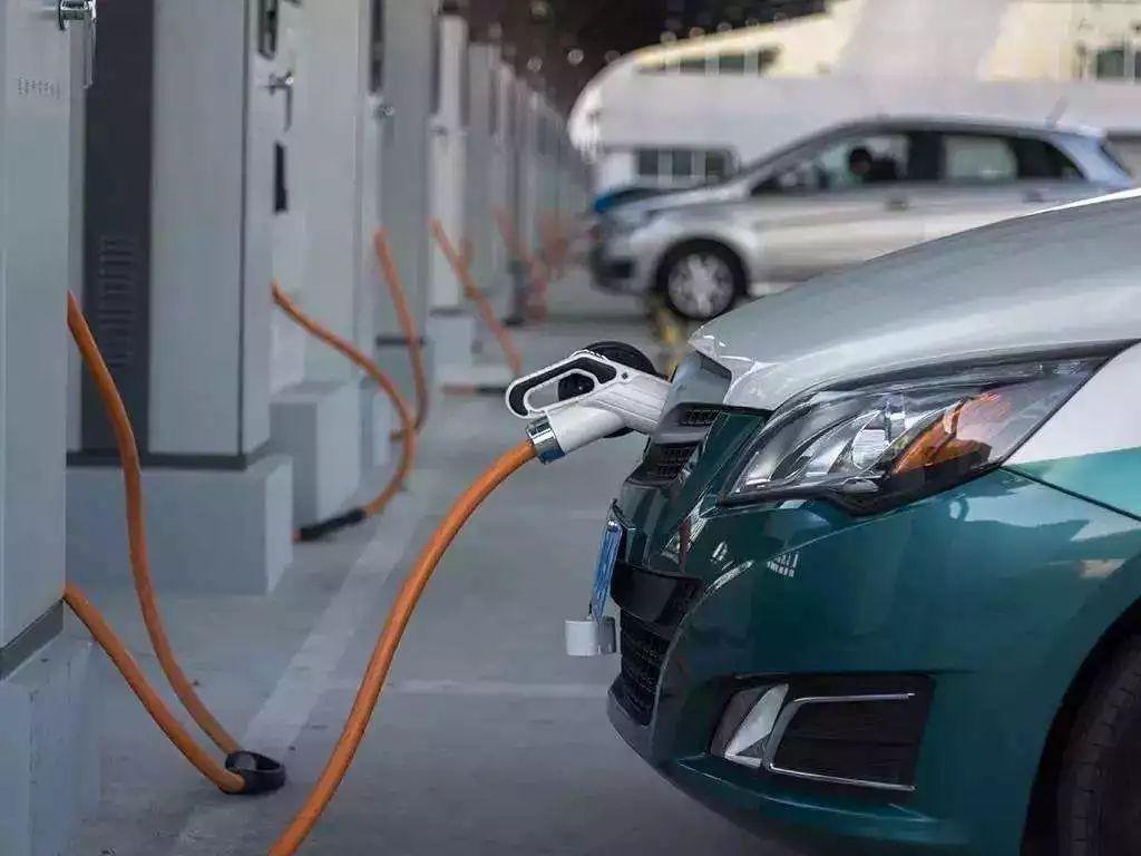 新能源行业急转直下 10月份销量狂跌46%