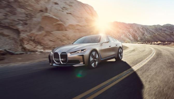 电动新纪元 纯电动轿跑BMW i4概念车发布