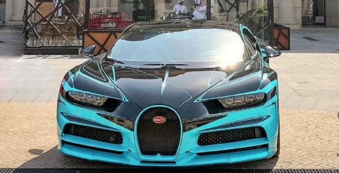 蓝色酷车布加迪