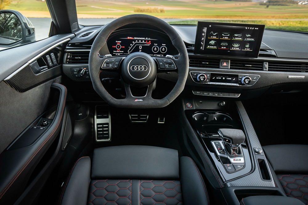 车价网:百公里加速不到4秒 新款奥迪RS5正式发布