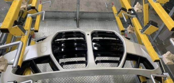 车价网:匹配手动变速箱 全新一代宝马M4实车曝光