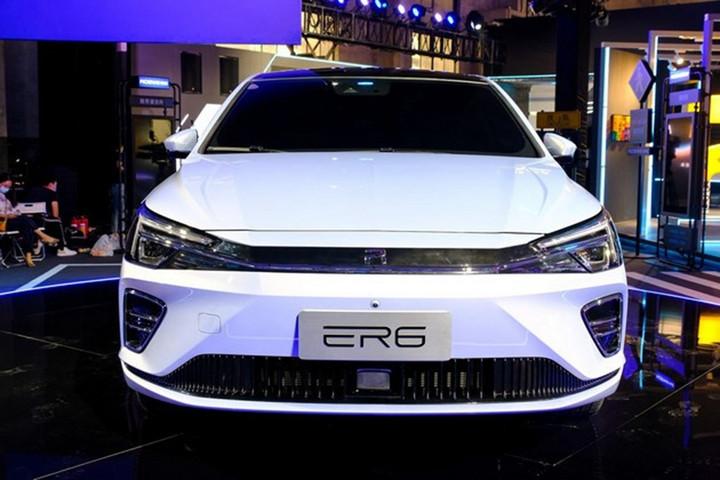 新车报价:续航620km 上汽荣威R ER6成都车展开启预售