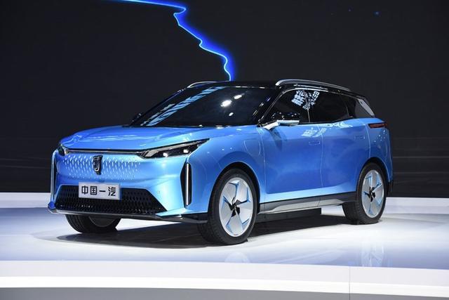 SSC设计-一汽奔腾E01将于8月12日正式开启预售