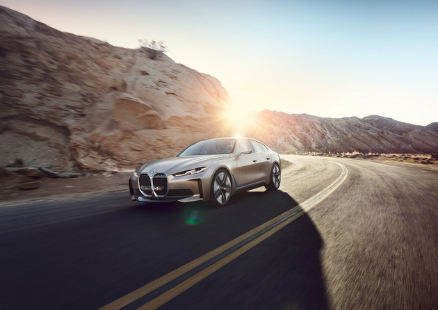 SSC设计-续航达到600km 宝马i4纯电动轿车投产