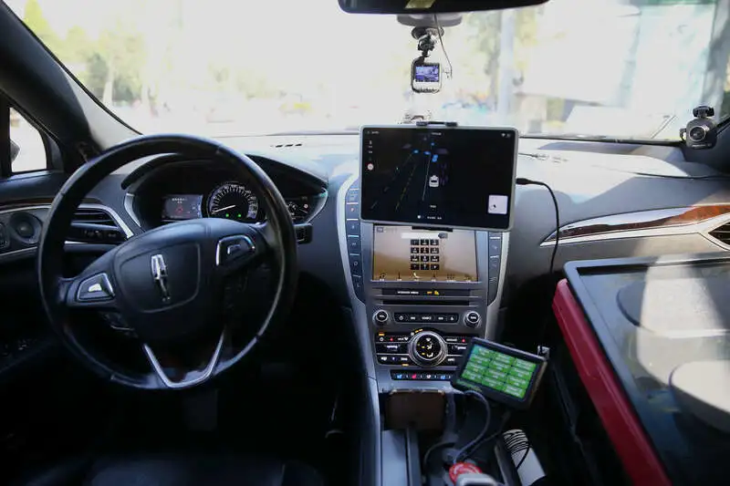 """百度自动驾驶出租车离""""无人""""驾驶还很远?"""
