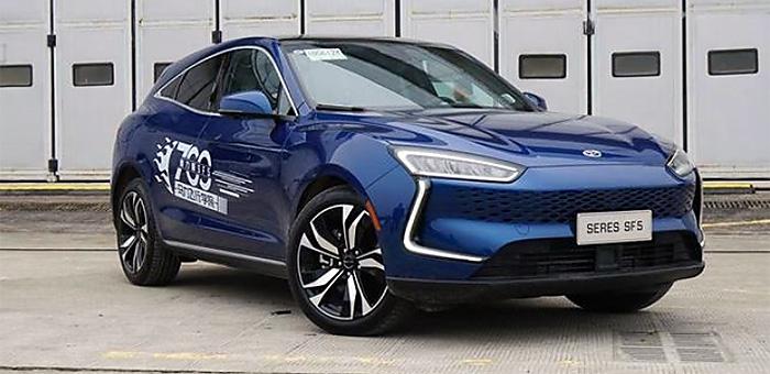 增程式电动车新选择 试驾700马力赛力斯SF5