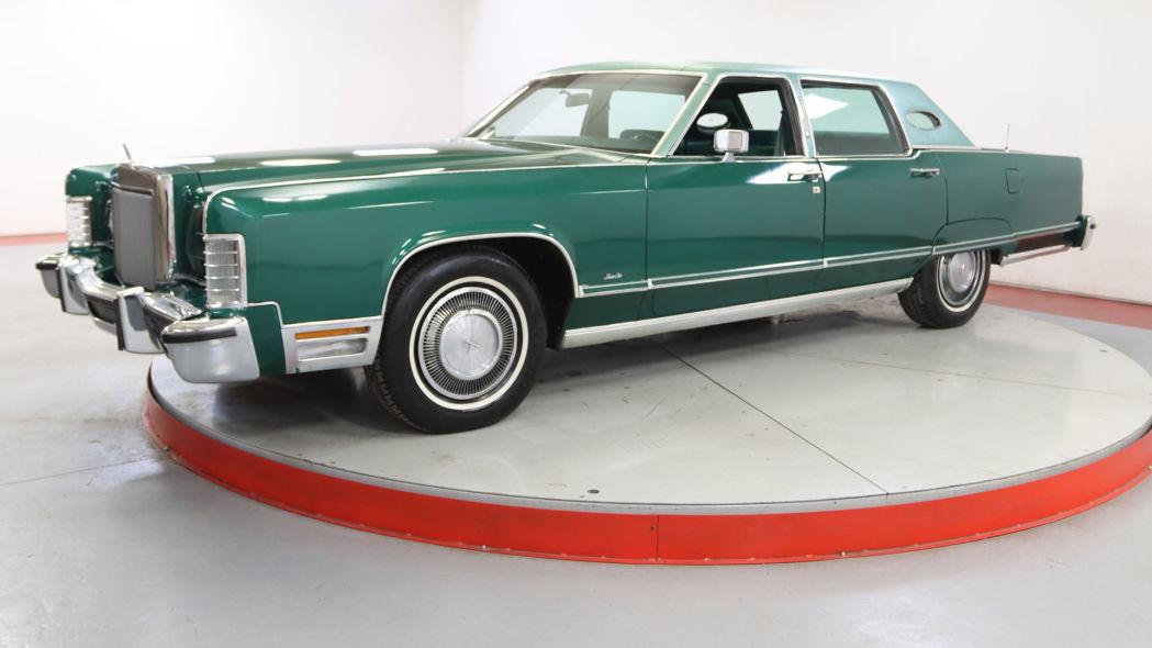 1977Lincoln Town Car