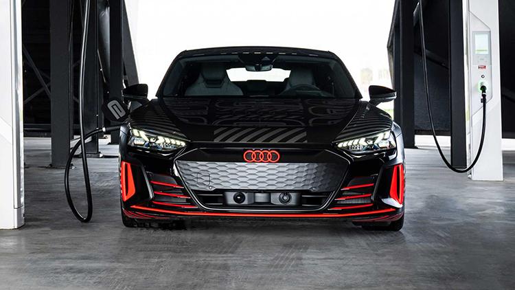 2月9日首发与R8共线生产 奥迪e-tron GT预告-XI全网