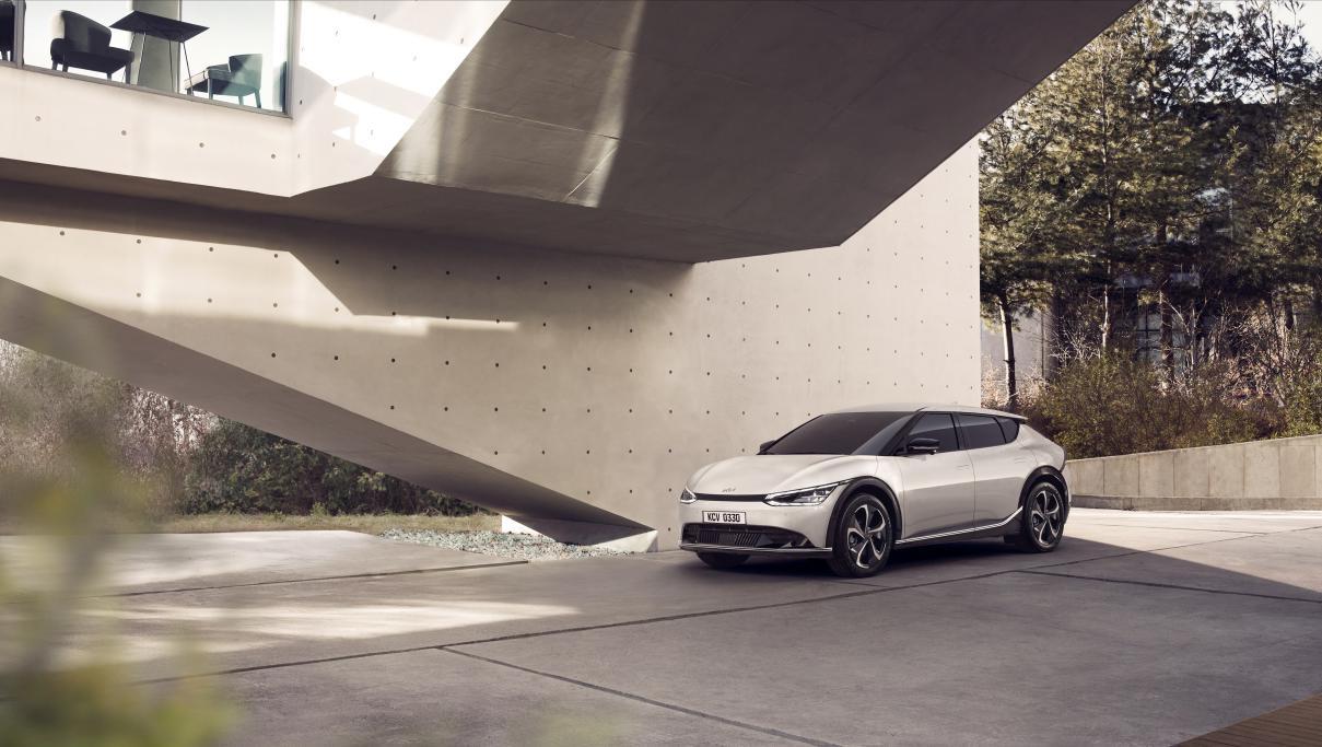 SSC设计-采用新设计理念 起亚发布首款专属电动车EV6
